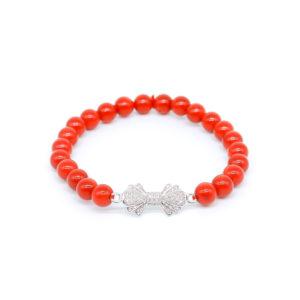 Korallenarmband mit Perlen