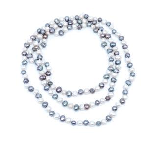 Halskette aus Süßwasserperlen