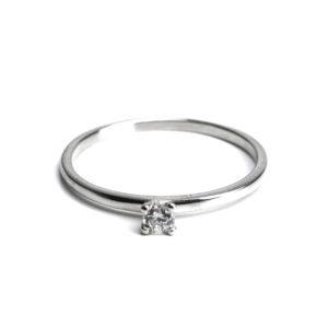 Ring, mit Rhodium verziert