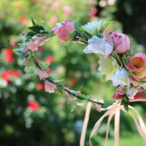 Blumenkranz in Rosa und Weiß