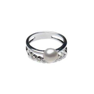 Ring aus 925er Sterlingsilber, verziert mit Süßwasserperlen und Zirkonia